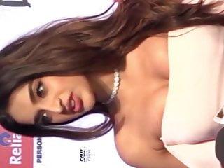 Telugu actress nighi Agarwal boobs adjusting in public