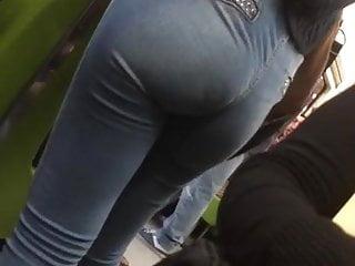 delicious booty in Subway. Culototote en jeans CDMX